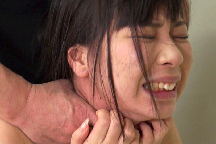 【700ptsOFF!】【投稿】傲慢女を首絞めリンチ10 サンプル画像10