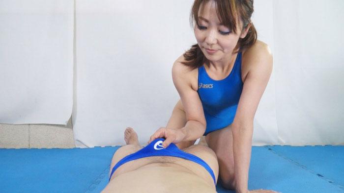 【HD】熟女ハイドロ競パンしごき7 サンプル画像12