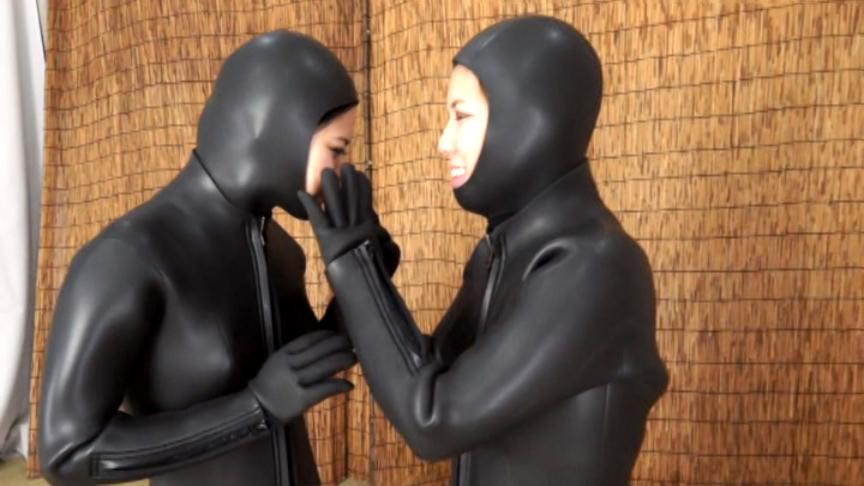 【値下げ商品】濡れた淫貝 海女ダイバースーツ百合族2 サンプル画像02