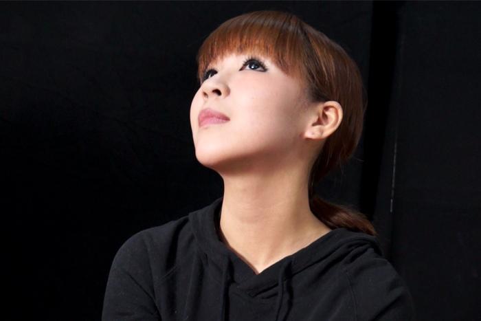 女性の首・喉・首絞め サンプル画像09