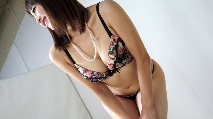人妻腹パンチ 2 広瀬奈々美さん34歳に暴力をふるってみた サンプル画像02