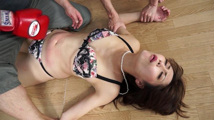人妻腹パンチ 2 広瀬奈々美さん34歳に暴力をふるってみた サンプル画像09