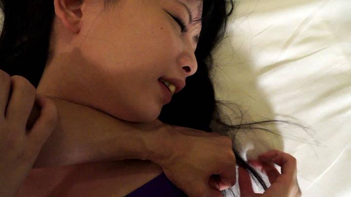 ホテルの部屋で女の子にプロレス技をかけてみた 8 サンプル画像05