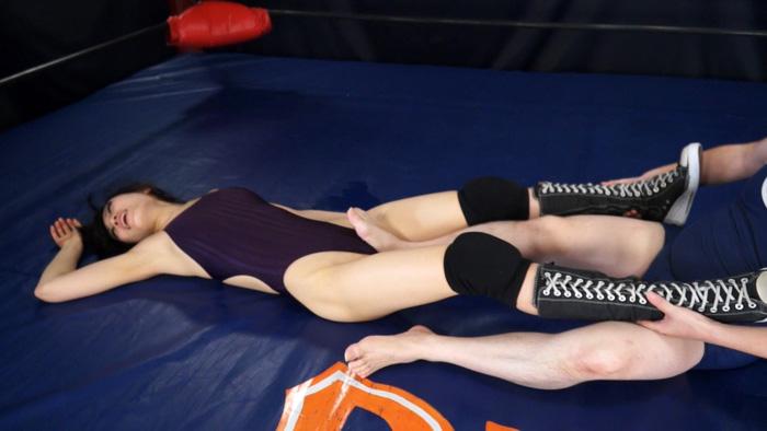 長身女子レスラー完全降伏マッチ Vol.2 サンプル画像08