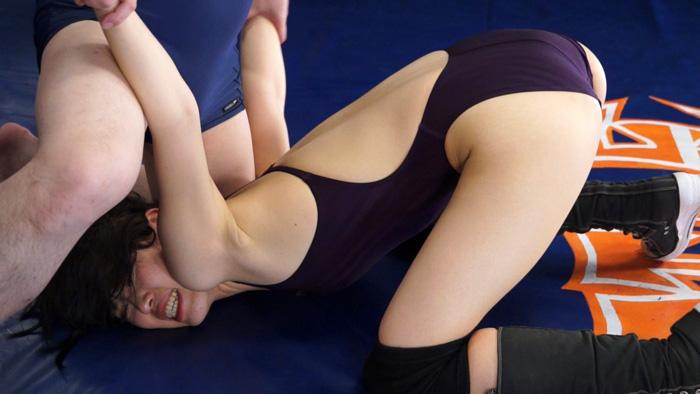 長身女子レスラー完全降伏マッチ Vol.2 サンプル画像11