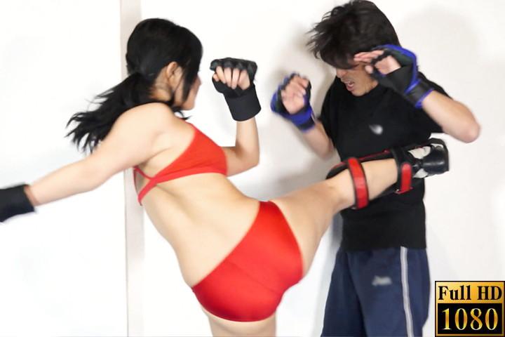 【HD】男女対決1 格闘技ジムの女指導員に犯された!!! サンプル画像02