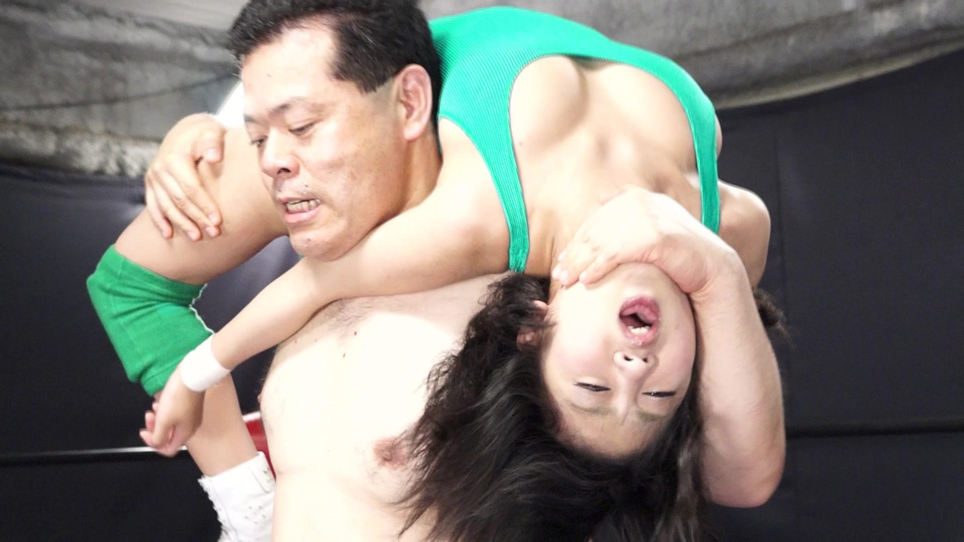 秘密の男女混合試合 女子レスラー完全敗北 vol.1 サンプル画像02