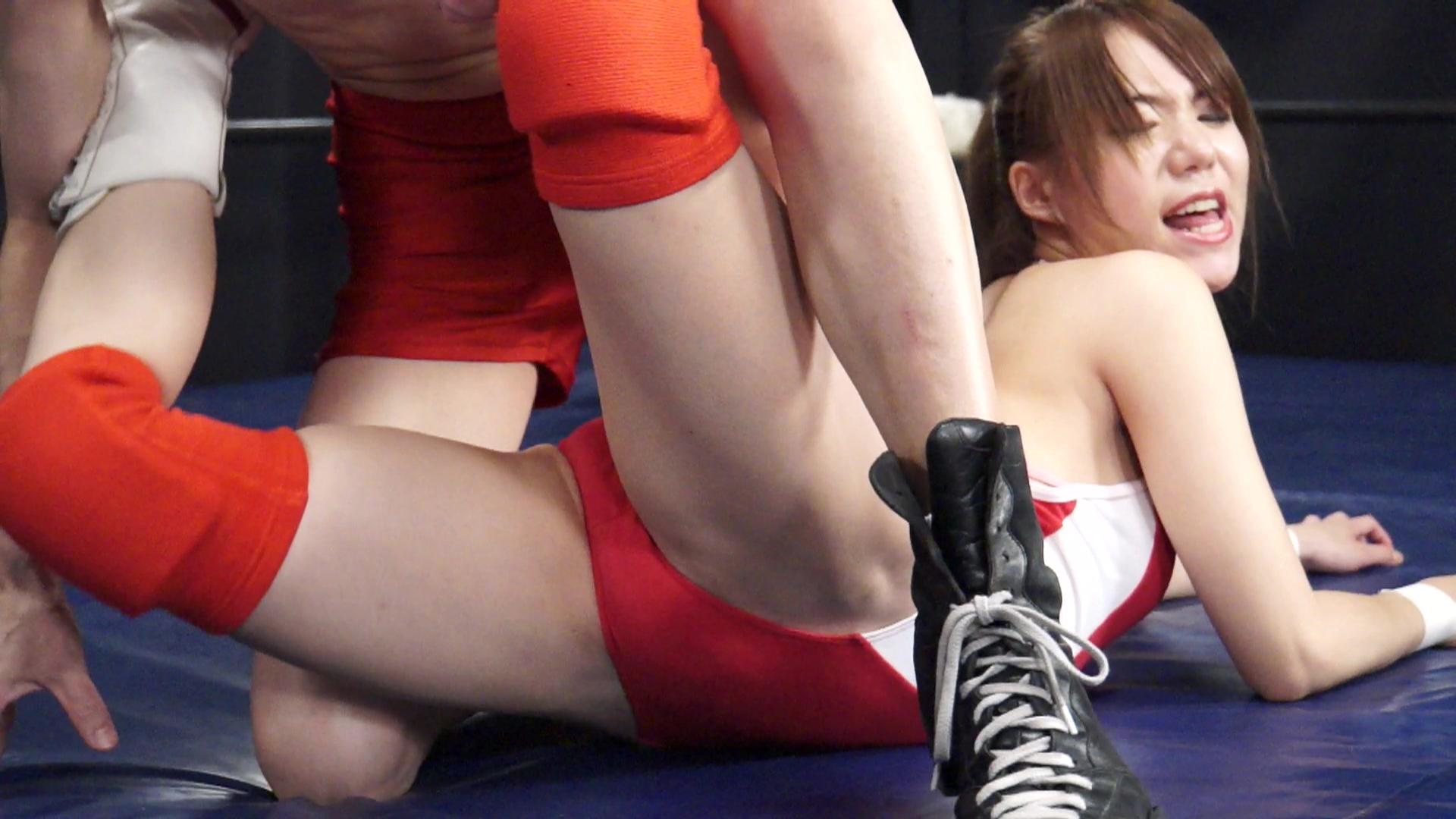 秘密の男女混合試合 女子レスラー完全敗北 vol.1 サンプル画像03
