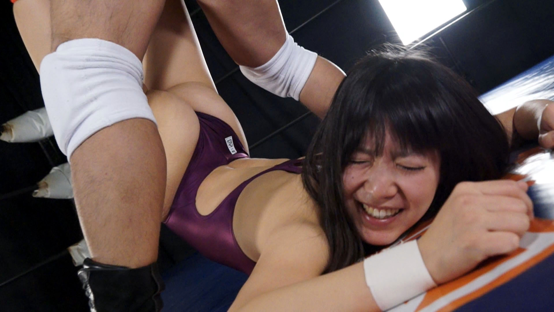 女子レスラー完全屈服ドミネーション Vol.3 サンプル画像01