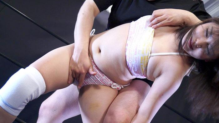 裏ビキニプロレスMIXED7 サンプル画像01