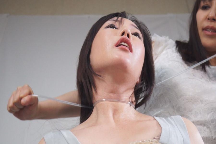 【700ptsOFF!】熟女同士の首絞めくらべ サンプル画像05