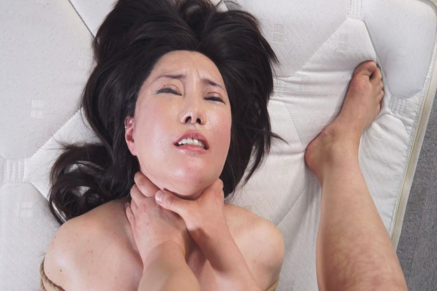 【700ptsOFF!】熟女同士の首絞めくらべ サンプル画像10