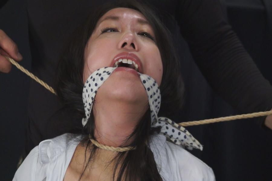 女を首絞め サンプル画像01