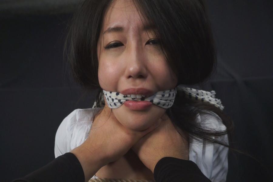 女を首絞め サンプル画像04