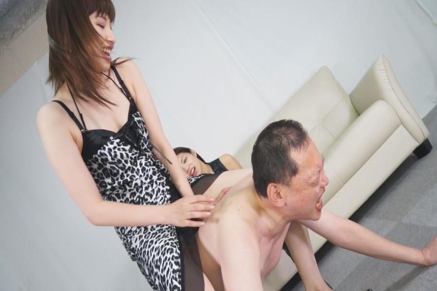 安達メイと日高結愛のM男調教遊戯 サンプル画像06
