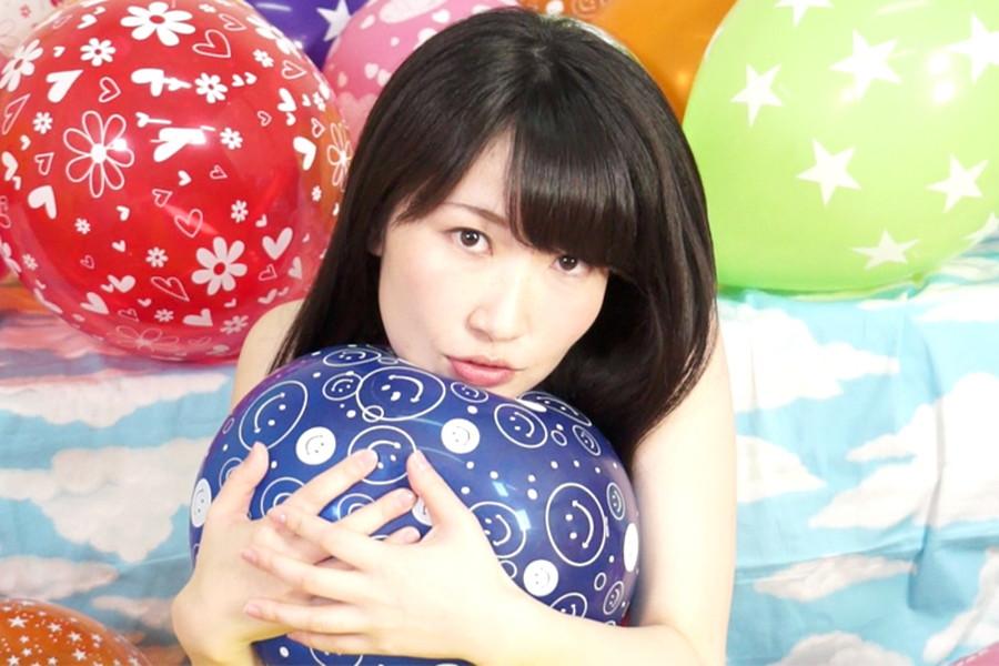 【700ptsOFF!】【HD】中川絢音と安達メイの風船ファンタジー サンプル画像02