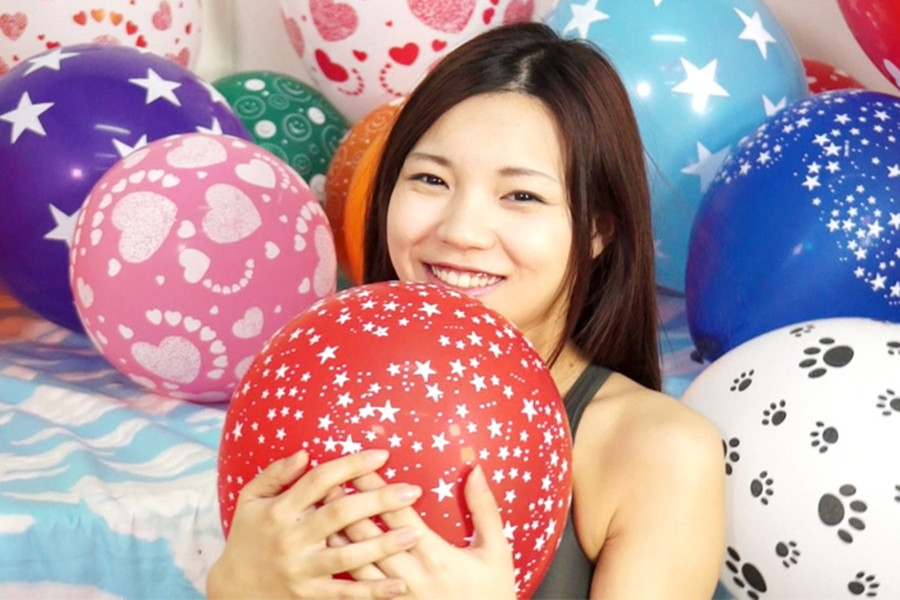 【700ptsOFF!】【HD】中川絢音と安達メイの風船ファンタジー サンプル画像06