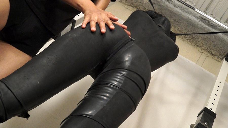 ラバースーツの女、そのエロスと脱皮6 サンプル画像06