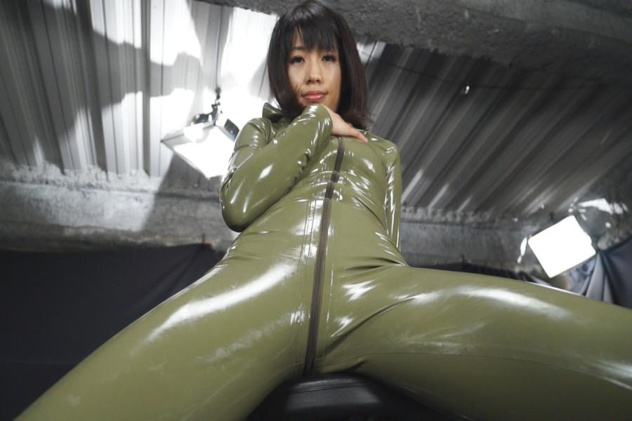 マルチタレント範田紗々 ラバーソウル サンプル画像01