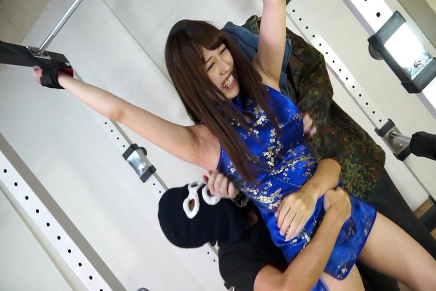 アイドルフェイスのウブ美少女 里美まゆをくすぐり悶絶責め! サンプル画像01
