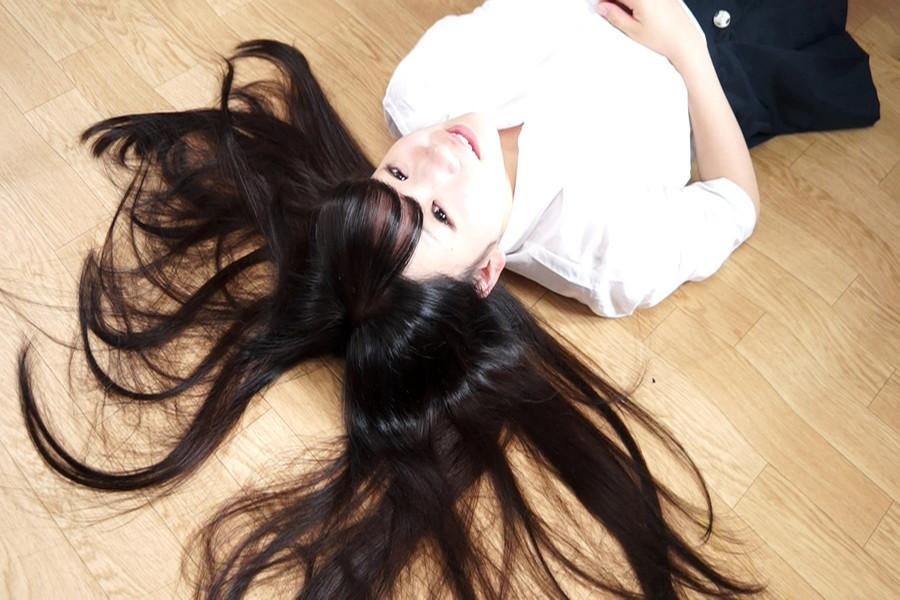黒髪少女七菜原ココ 恋するロングヘアー サンプル画像01