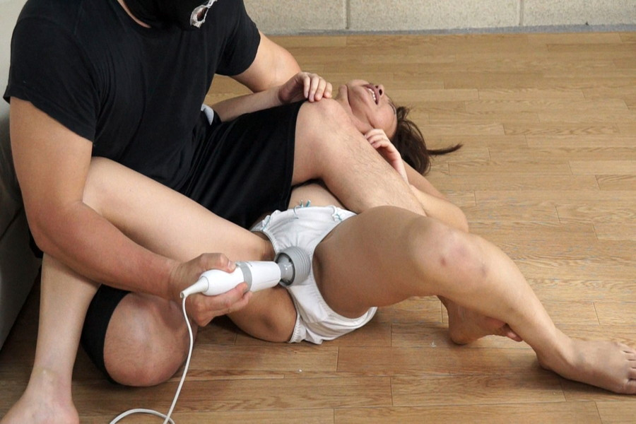 素人女性を強制股間責め調教6 サンプル画像11