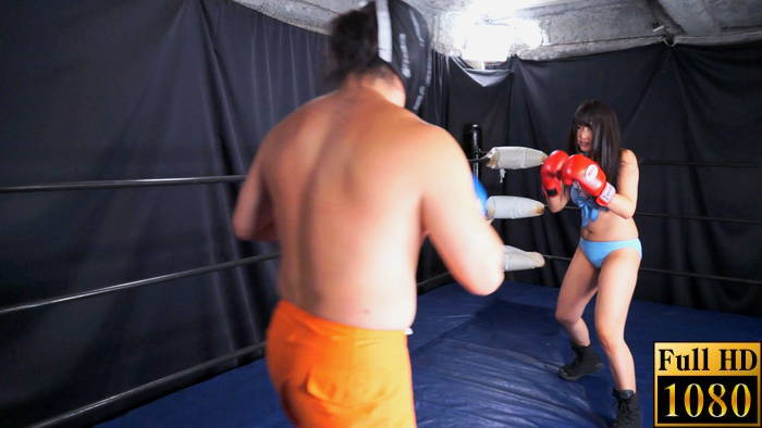 MIXボクシング ビキニ ファイティングポーズ 金城真央