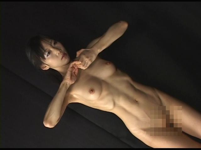 器械体操選手の肉体美 4