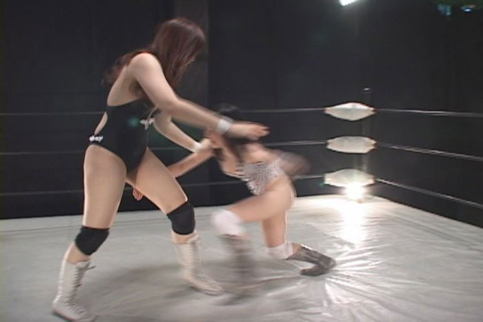 プロレス 現役アイドル フェアリー純vsバビロン ミナ キャットファイト 寝技