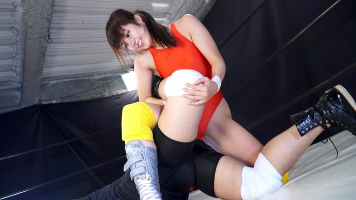 女子プロレス ミックスファイト 現役モデル 夏目雅子 レッグロック