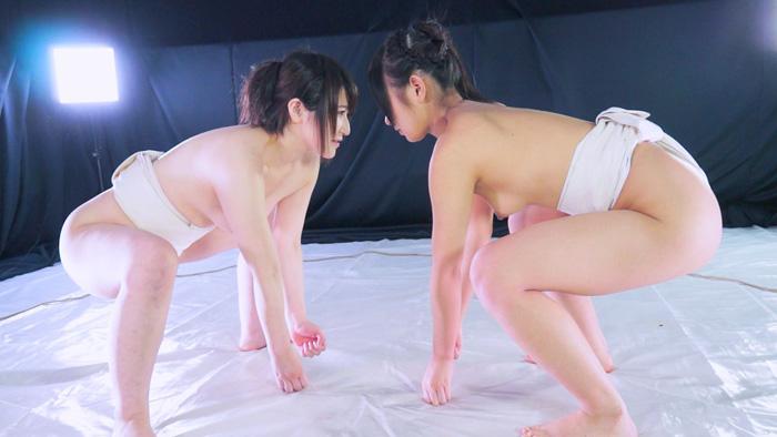 女子相撲 まわし 柚希カレン  冴島エレナ トップレス