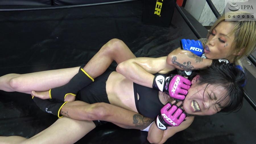 女子キックボクシング 神崎まゆみ  鮫島るい  美女