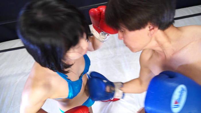 女子ボクシング さくらここる ビキニ 腹パンチ