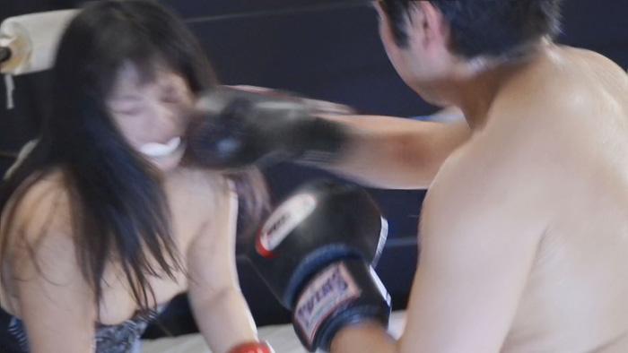 ミックスボクシング 都丸ふみ奈 腹パンチ