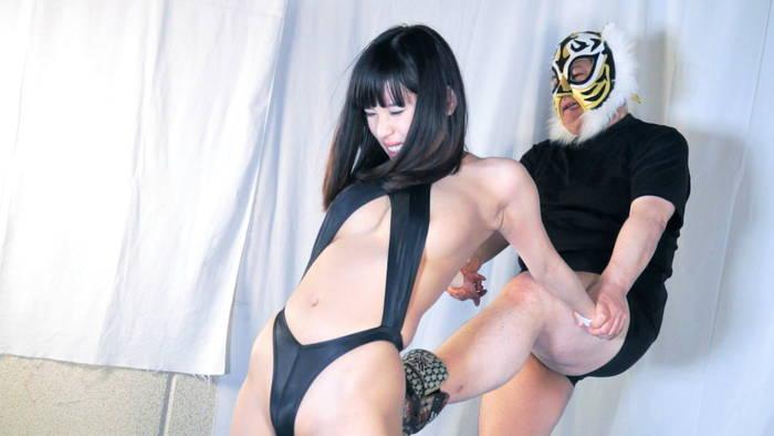 女子プロレス キャットファイト 男対決 技かけられる 逢沢るる