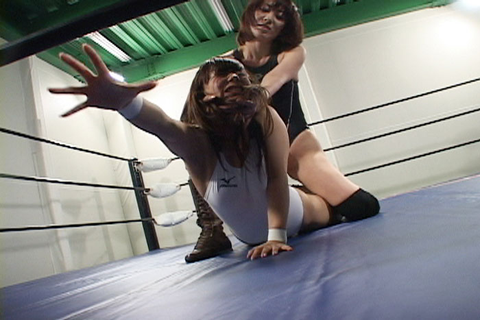 女子プロレス キャットファイト 高身長レスラー 渥美イオン  中居ちはる