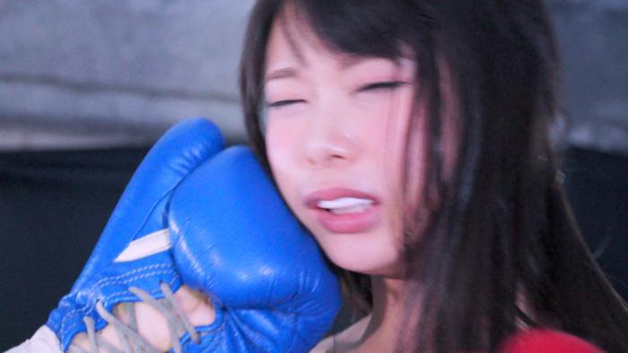ビキニ  なつめ愛莉 ロリ系美少女 顔面パンチ ボクシング対決