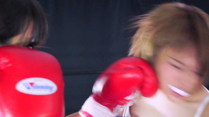 女子ボクシング 生駒はるな 金城真央 左フック