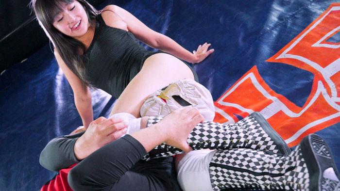女子プロレス 男対決 技かける M格闘 金城真央