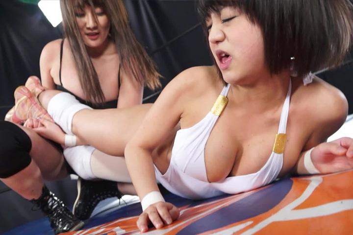女子プロレス キャットファイト 萌雨らめ 槇井れい エロボディ