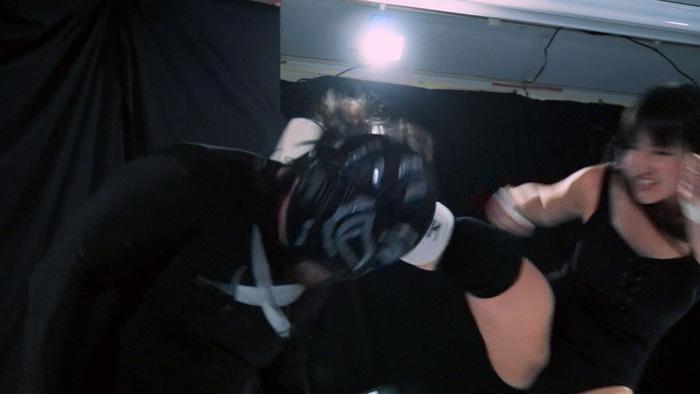 ミックスプロレス BWP 第四試合 金城真央 覆面レスラー