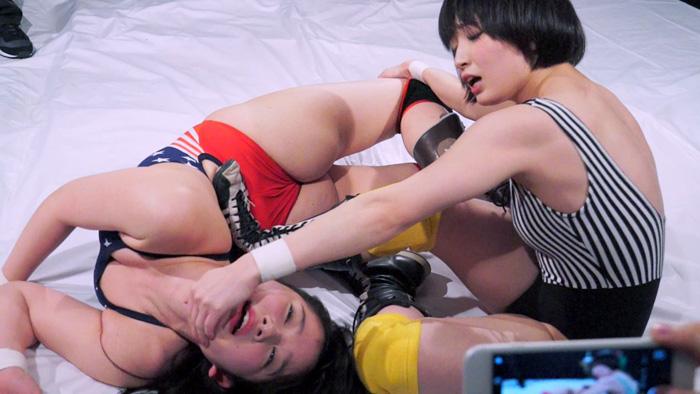 女子プロレス キャットファイト 鈴屋いちご 宮崎あや  リンコス姿 悶絶